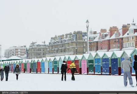 photos-a-heavy-snowfall-cripples-london-photo-essays-time_1233707767954