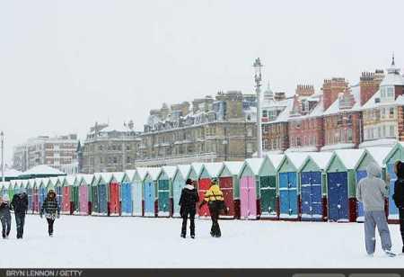photos-a-heavy-snowfall-cripples-london-photo-essays-time_1233707767954